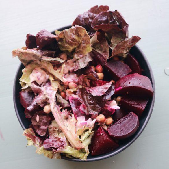 Recept voor verse rode Bieten Salade met spekjes en jonge kapucijners